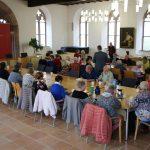 Seniorenfahrt durchs Stadtgebiet endet mit Kaffeetrinken im Rathaussaal